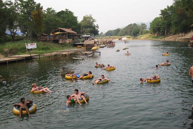 Enjoyable-Tubing-Experience-in-Vang-Vieng